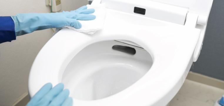 お湯の温度が60℃を超えると、便器にひびが入る可能性があります
